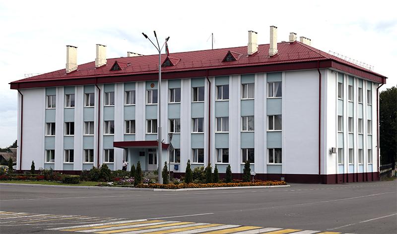 лельчицы, Лельчицкий район, здание райисполкома, райисполком, площадь