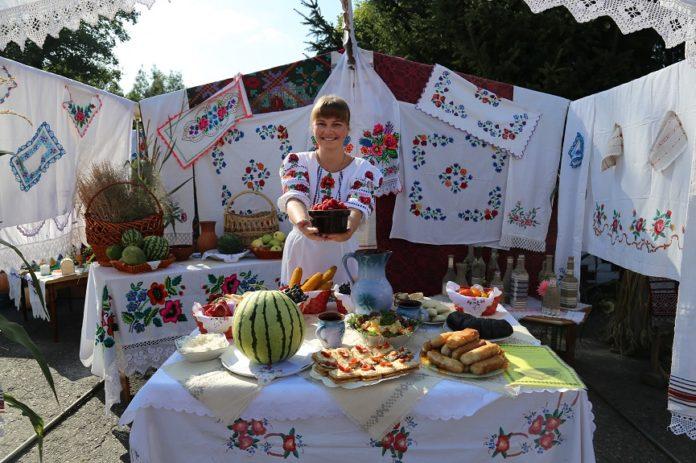 Липляны, девочка, праздник, день деревни