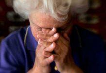 бабушка, плачь, пенсионерка, плачет, слеза
