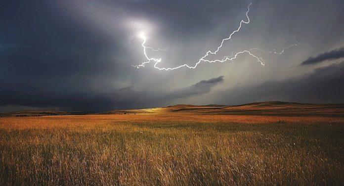 молния, поле