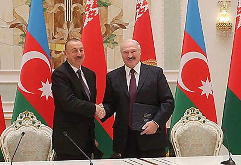 На церемонии гашения совместного почтового проекта Беларуси и Азербайджана, приуроченного к 25-летию установления дипломатических отношений