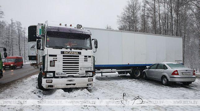 Фура, снег