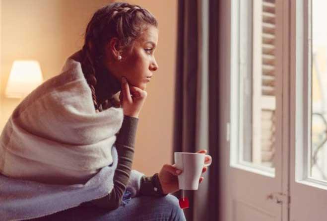 самоизоляция, окно, скучно, скучает, погода