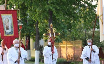 католичество, крестный ход, костёл
